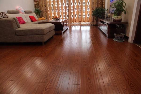 木质地板安装方法_强化复合地板环保吗 强化复合地板能用几年_装修啦