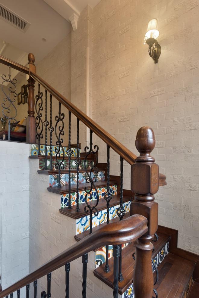 两层小复式楼梯设计图