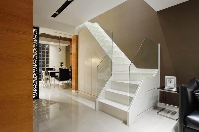 复式楼室内楼梯装修效果图