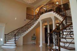 别墅楼梯用什么材料?别墅楼梯材质有哪些?