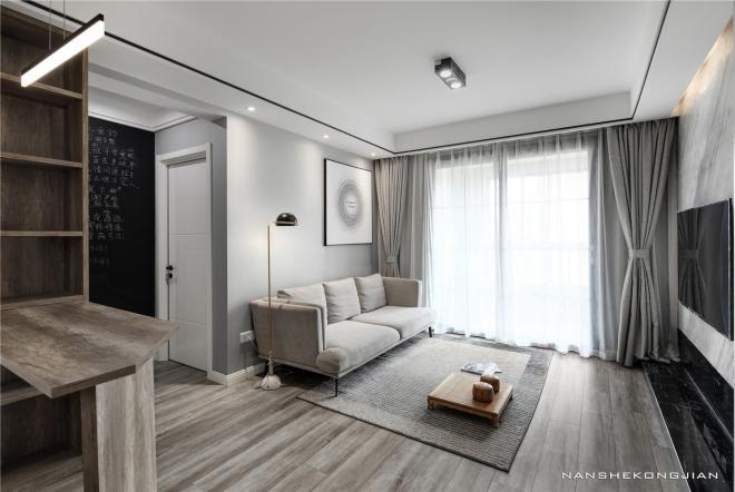 现代简约客厅温馨装修实景图