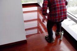强化地板不要打蜡 青岛家庭装修