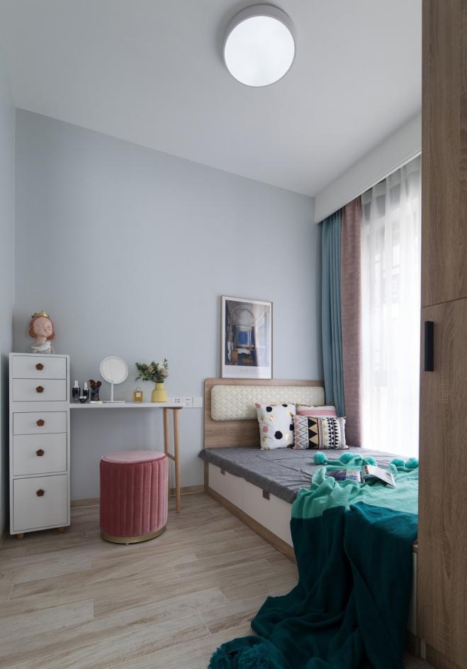 77平三室两厅小空间装修效果图