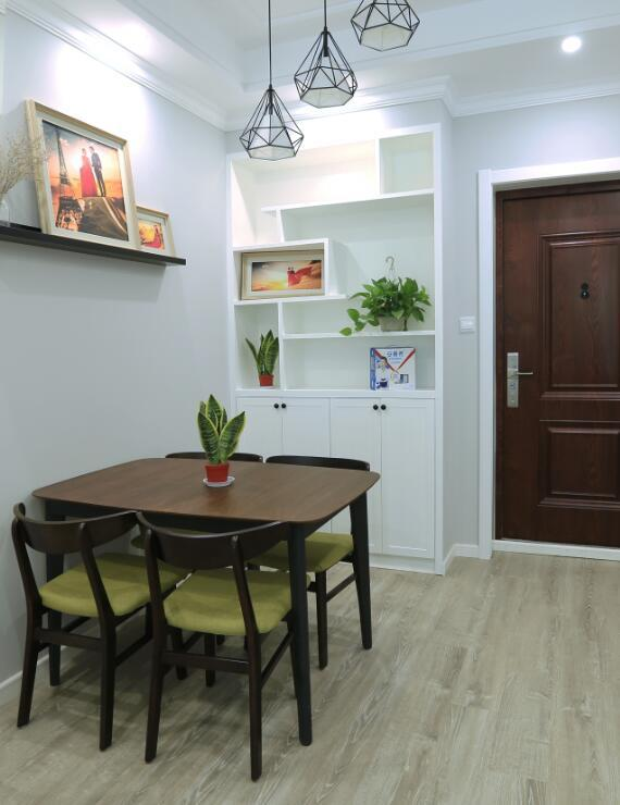 二居室81平米装饰装修效果图
