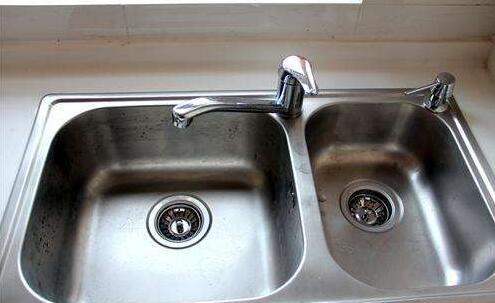 厨房水管漏水怎么处理 装修装厨房水管技巧