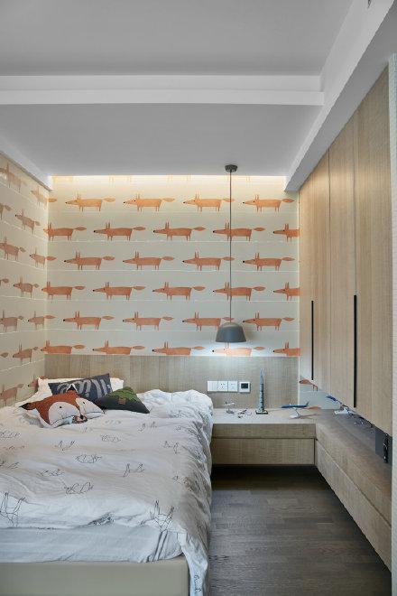 整体空间使用米色和白色为主色调装修效果图