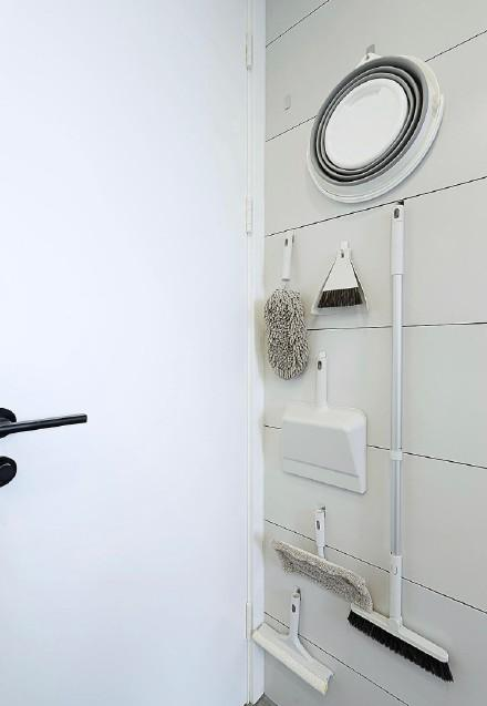 现代极简风格三室装修效果图