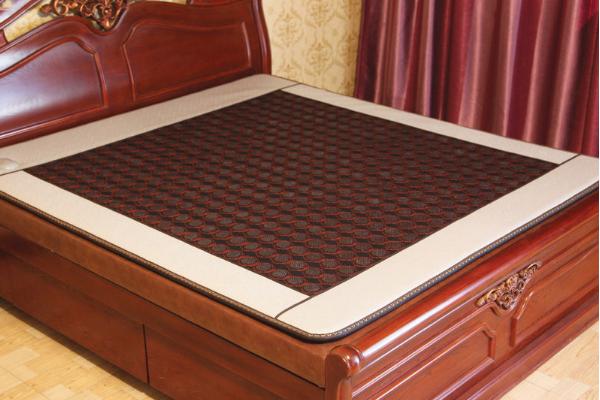 喜來健玉石床墊功效 喜來健玉石床墊使用方法 喜來健玉石床墊小孩能睡嗎
