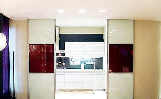 厨房玻璃隔断门装修效果图