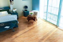 泉州装修时为什么先装地板再装门呢?