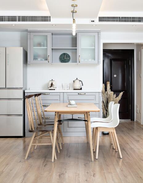 北歐極簡風三居室餐廳裝修效果圖